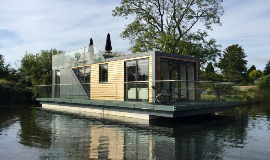Most Prettiest Houseboat in the World